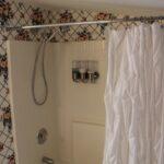 bathroom_huffman_house_pool-view-room-minden-la2